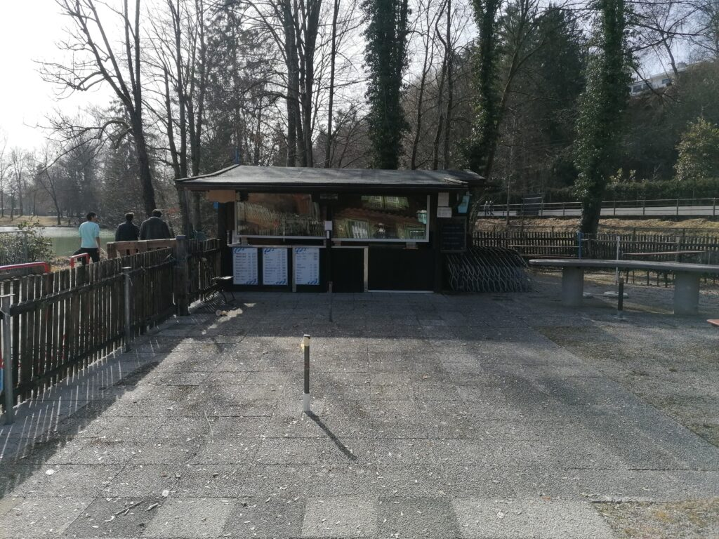 Der kleine Biergarten Seehaus Hinterbrühl in München Thalkirchen