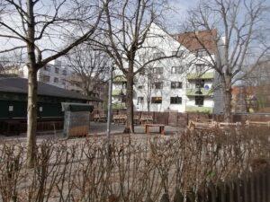 Der Selbstbedienungsbereich im Biergarten Tannengarten