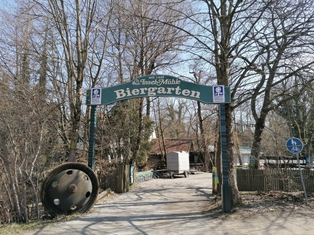 Herzlich Willkommen imAugustiner Biergarten Inselmühle München