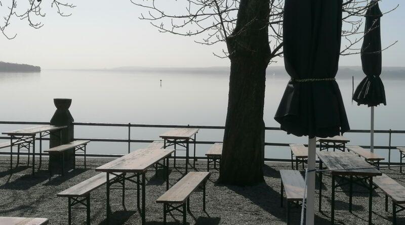 Der Biergarten Seehaus Schreyegg mit wunderschönen Seeblick