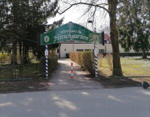 Hirschgarten Biergarten Eingangsbereich zum Restaurant