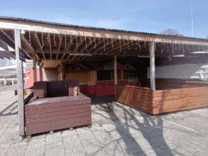 Der Ausschank im Biergarten Paulaner Seegarten