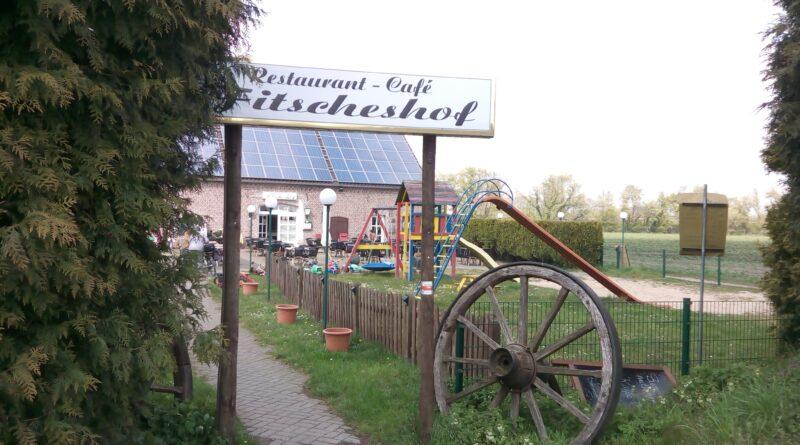 Mitten in den Feldern, das Hofcafé Fitscheshof