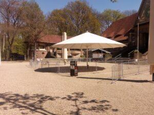 Der Göstebereich im Biergarten Stadtwaldhaus in Krefeld