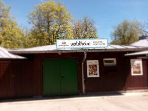Eingangsbereich zum Biergarten Waldheim.
