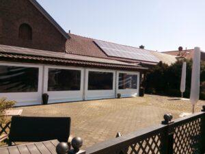 er Biergarten am Landcafé Bruxhof.