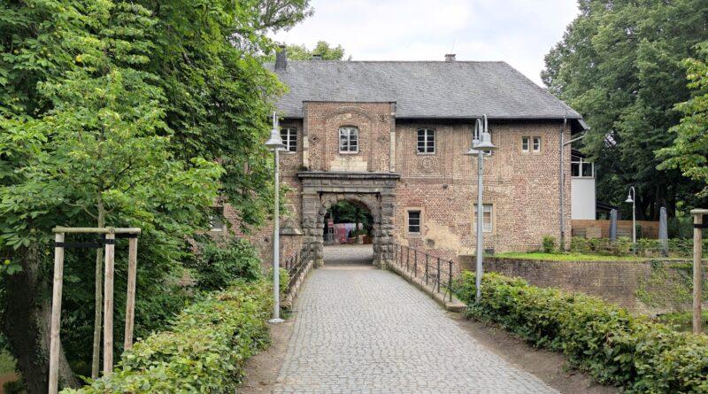 Wasserschloss Rheydt Brücke